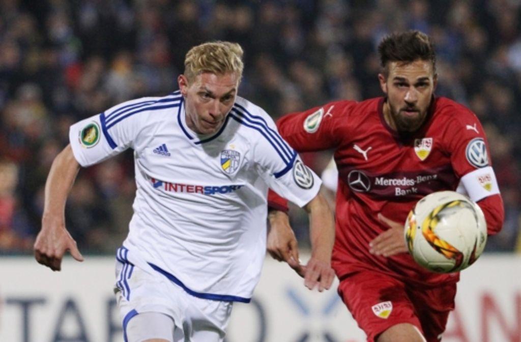 Martin Harnik (rechts) geht beim 2:0-Sieg in Jena als Kapitän voran. Foto: Baumann