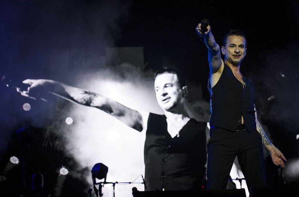 Dave Gahan von der britischen Band Depeche Mode bei einem Auftritt in St. Gallen. Foto: dpa/Gian Ehrenzeller