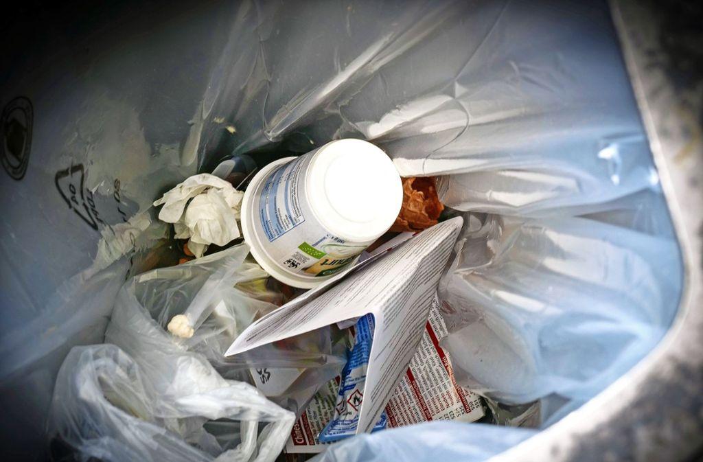 Die Entsorgung von Müll im öffentlichen Raum ist teuer. Foto: factum/Simon Granville