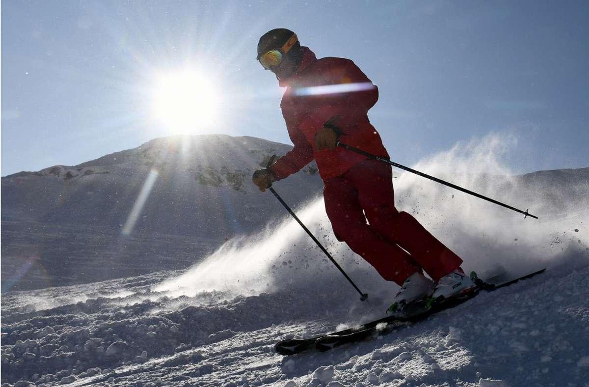 Auch viele Wintersportler sind von den neuen Quarantäne-Regeln in Bayern betroffen. (Symbolbild) Foto: dpa/Angelika Warmuth