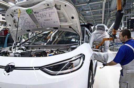 VW fährt Produktion wieder hoch - Zulieferer atmen auf