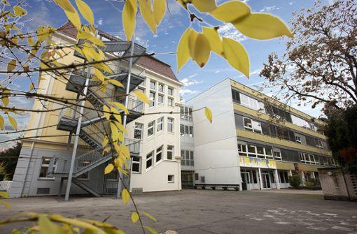 Hölderlin-Gymnasium bleibt zu