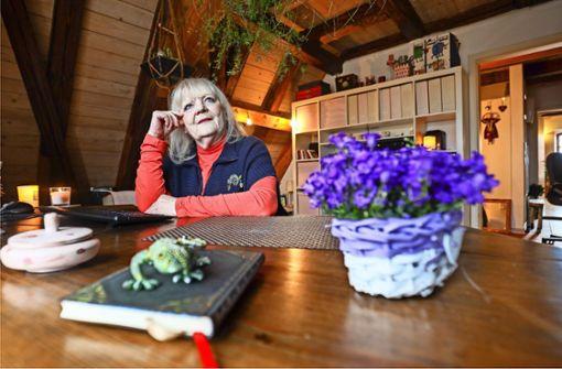 Dichterin lebt im Dachstuhl des Wimpelinhofs