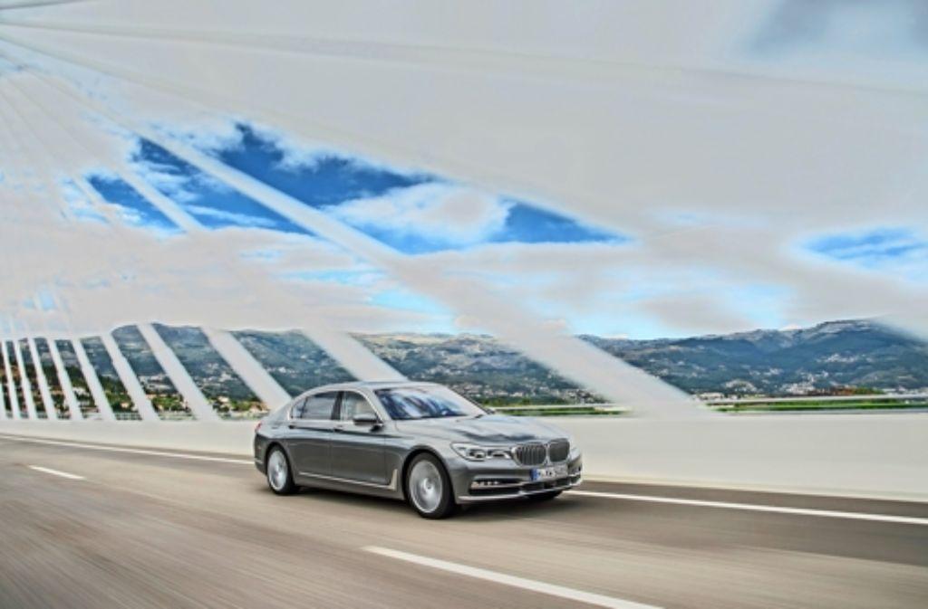 Im Luxussegment stößt der BMW 7er die Mercedes-S-Klasse vom Thron. Foto: BMW