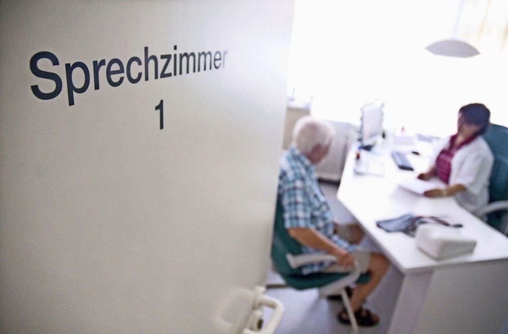 Sowohl auf dem Land als auch in der Stadt gibt es zunehmend weniger Ärzte, die eine eigene Praxis betreiben möchten. Foto: dpa/Benjamin Ulmer