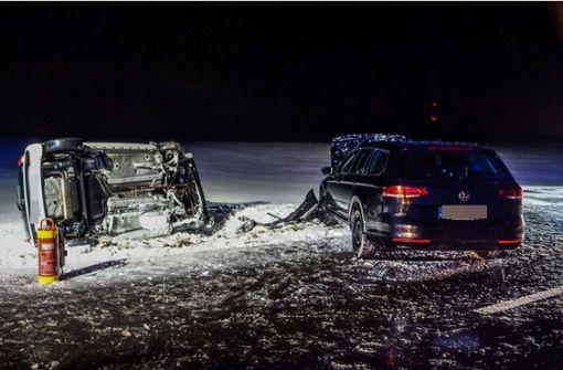 Schwerer Unfall auf glatter Fahrbahn