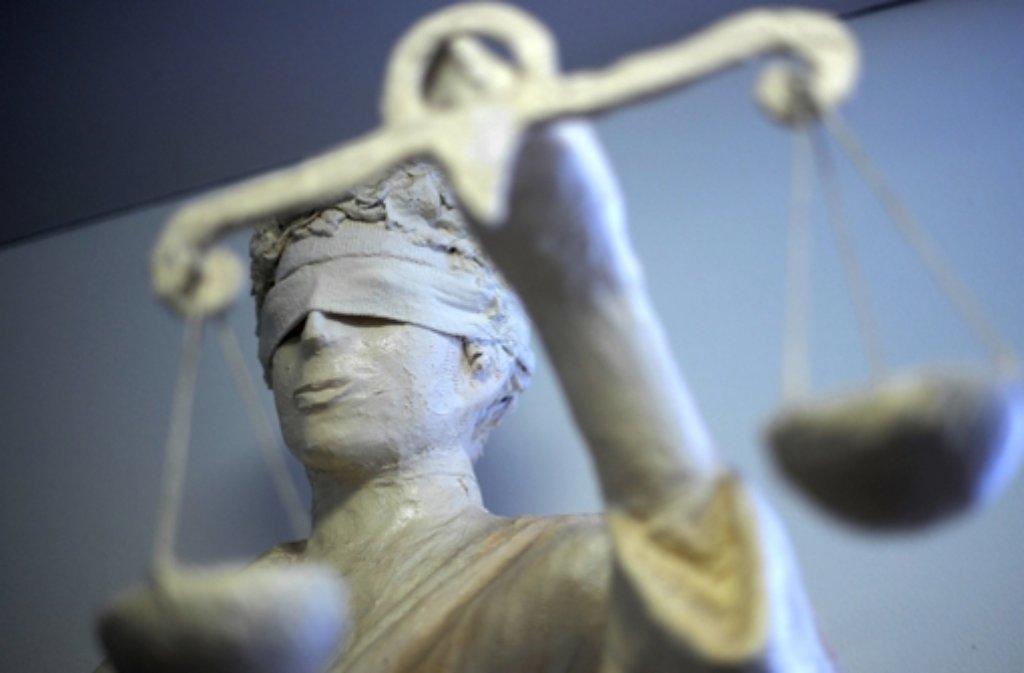 Das Ludwigsburger Amtsgericht hat einen 45-Jährigen zu einer Bewährungsstrafe verurteilt, weil er Kinderpornos gesammelt und verbreitet hat. Foto: dpa