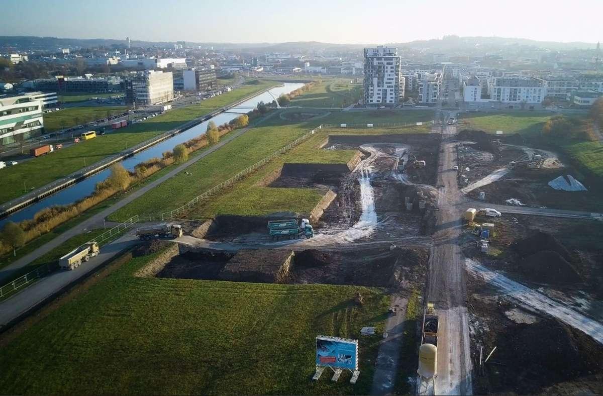 Die Baugrube für die Klinik ist schon längst  ausgehoben Foto: Flugfeldklinik