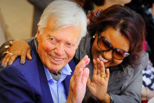 Im Jahr 2011 übergibt Karlheinz Böhm die Geschäfte an seine Frau Almaz. Foto: dpa