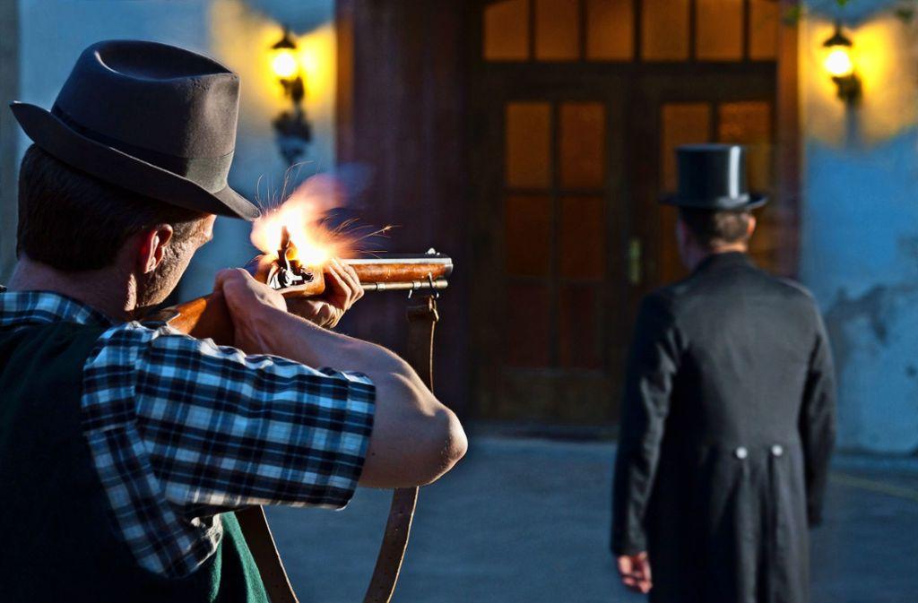 Tödliches Schrot von hinten: So könnte der Mord an Bürgermeister Rieber im Jahr 1835 ausgesehen haben. Foto: Boris Lehner