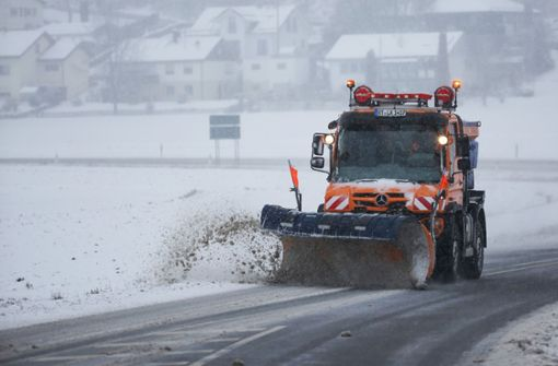 Zahlreiche Unfälle durch Schnee im Südwesten