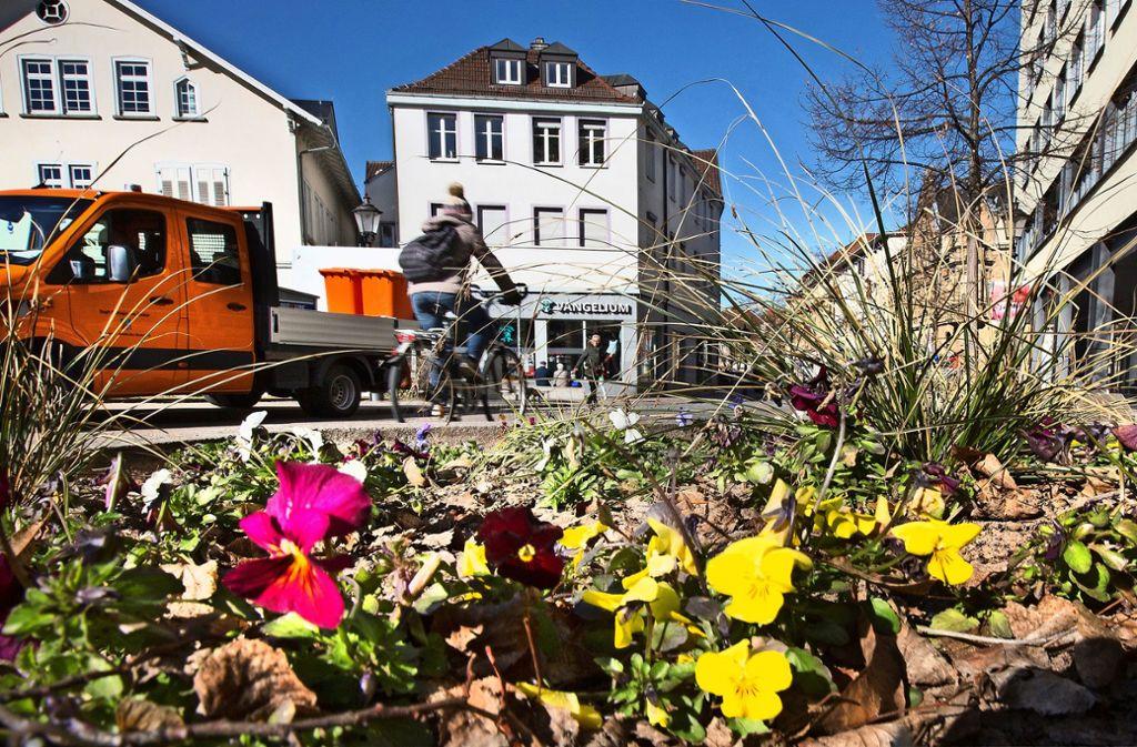 Die Esslinger Ritterstraße als wichtige Verbindung zwischen zwei Fußgängerzonen soll nun selbst für Autos gesperrt werden – und zur Flaniermeile werden. Foto: