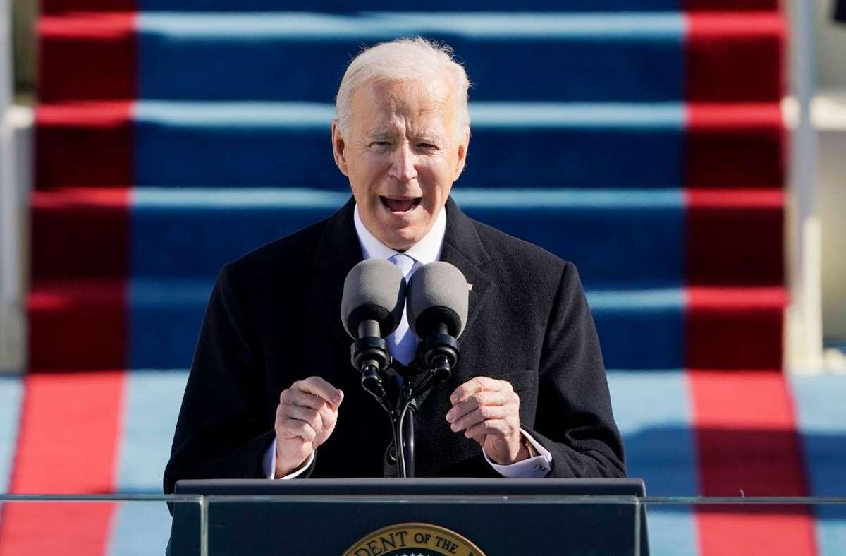 US-Präsident Joe Biden will auch Reisende aus Südafrika nicht mehr in die USA einlassen. (Archivbild) Foto: AFP/PATRICK SEMANSKY