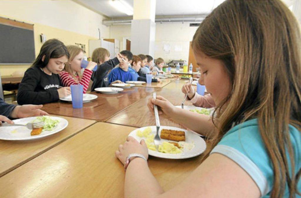 Das Essen in Schulen ist oft nicht richtig warm.  Foto: Archiv
