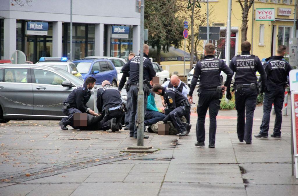 Bei einer Messerstecherei in Wendlingen ist ein 21-Jähriger vorläufig festgenommen wurden. Foto: SDMG