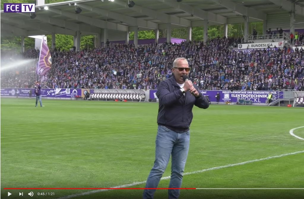 Vor dem Spiel richtete Aue-Präsident Helge Leonhardt sein Wort an alle Frauen im Stadion. Foto: Screenshot Youtube FC Erzgebirge Aue e.V.