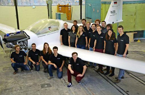 Studierende bauen in Eigenregie ein Schleppflugzeug