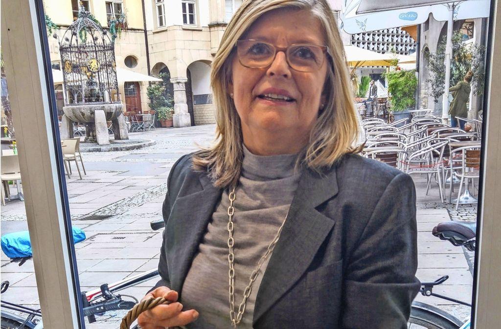 Birgit Greuter von der Killesberghöhe hat alte Obstsorten geerntet. Foto: Jürgen Brand