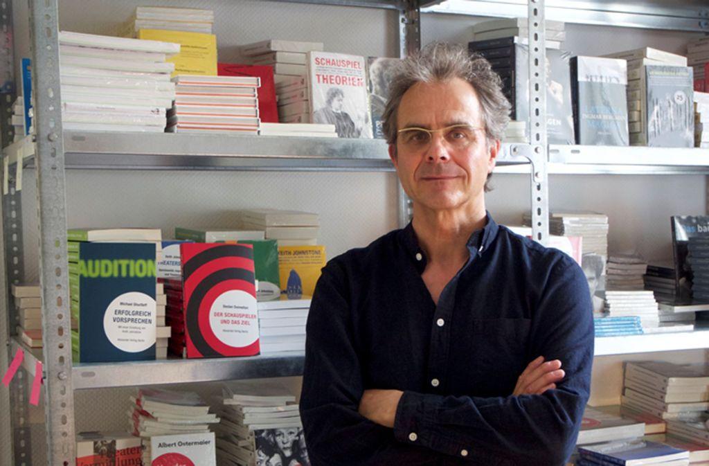 """36 Jahre (Klein-)verlagsgeschäft haben Alexander Wewerka  """"zäh wie eine Schuhsohle"""" gemacht. Foto: Alexander Verlag Berlin 2019"""
