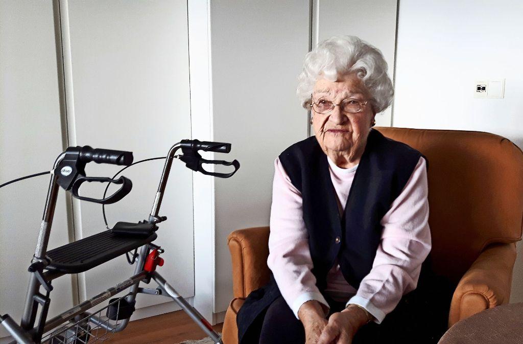 Erika Moik wohnt seit vielen Jahren im Haus auf dem Killesberg. Foto: Eva Funke