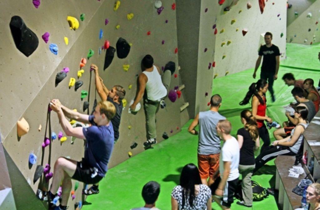 Die Kletterer schätzen die Größe der Halle und der Kletterwände. Foto: factum/Granville