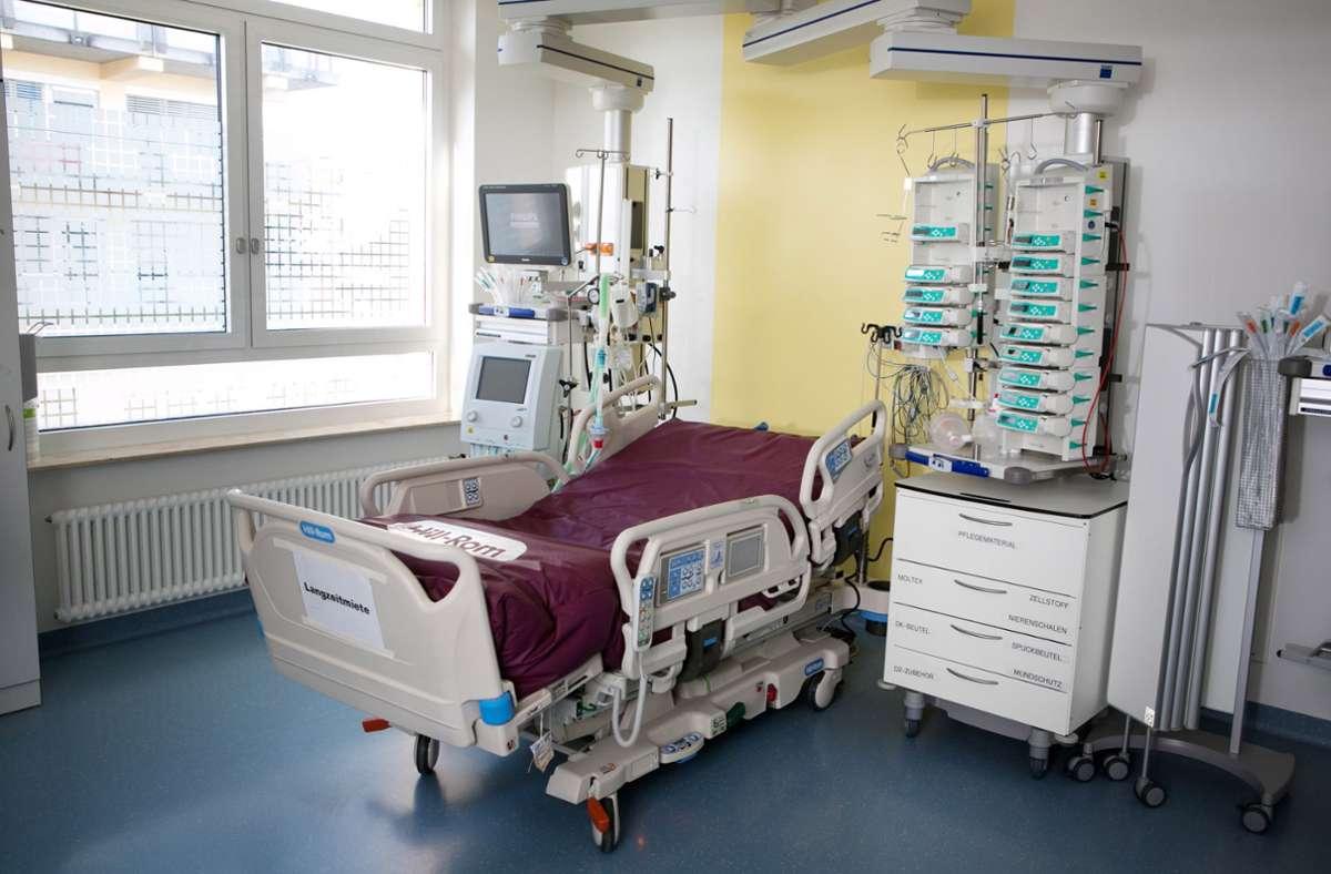 Fünf Patienten liegen mit einer Coronaerkrankung auf der Intensivstation des Klinikums Esslingen. Foto: Roberto Bulgrin