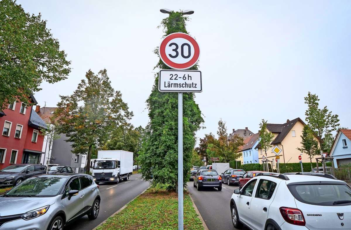 Neues Tempolimit auf der Frankfurter Straße Foto: factum/Simon Granville
