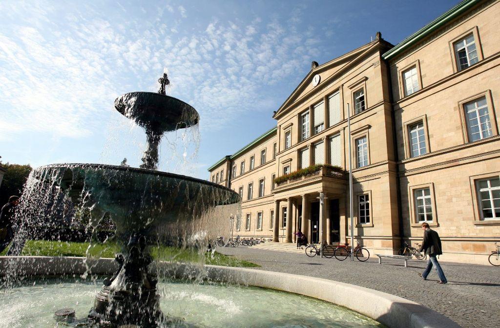 Drei von neun Universitäten aus dem Südwesten tragen derzeit den Titel Eliteuniversität. Neben Tübingen (Bild) sind das Heidelberg und Konstanz. Jetzt beginnt das Rennen neu. Foto: dpa
