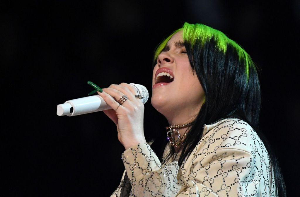 Billie Eilish beim Auftritt bei der Grammy-Verleihung Foto: AFP/Robyn Beck