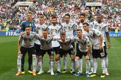 Joachim Löw und Mannschaftskameraden schweigen