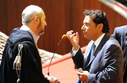 Schettino bricht im Gerichtssaal in Tränen aus