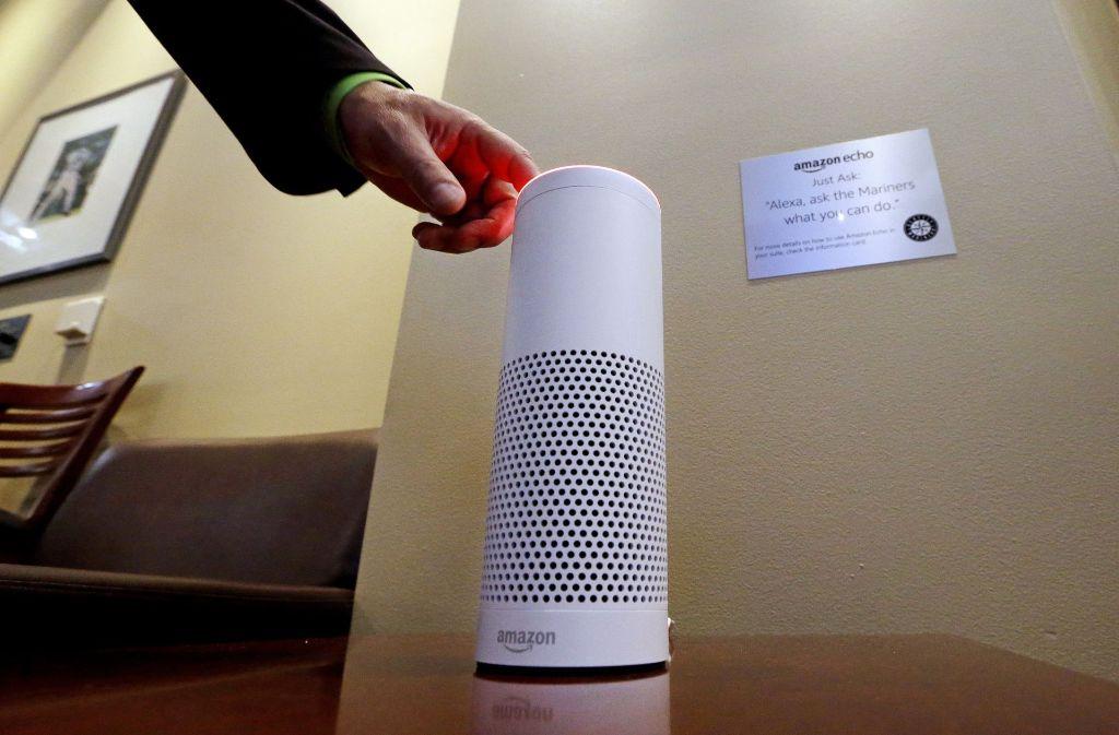 """Der Sprachassistent Alexa zeigt mit Lichtsignalen an, dass er """"zuhört"""". Foto: AP"""