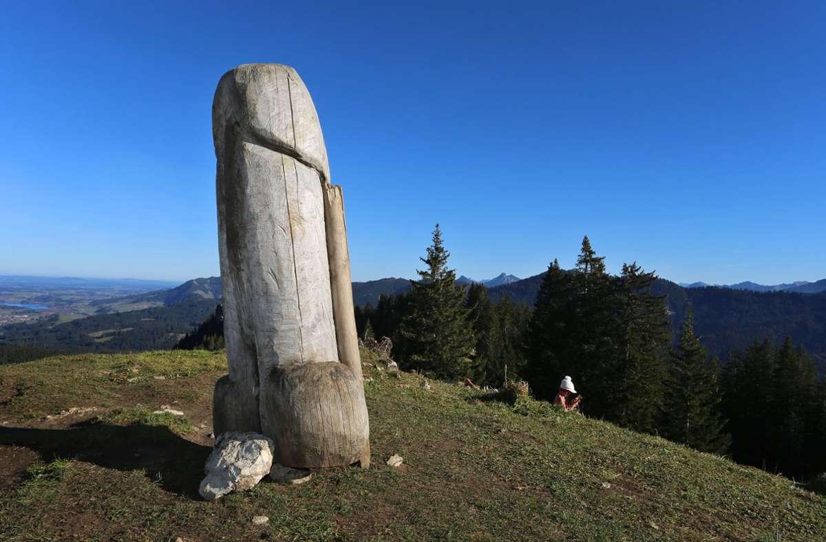Zuletzt waren im Allgäu immer wieder Phallus-Statuen aufgetaucht. Foto: dpa/Karl-Josef Hildenbrand
