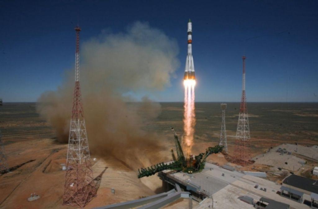 Beim Start des Raumtransporters Progress M27-M mit einer Sojusrakete am Dienstag dieser Woche lief noch alles glatt. Foto: Roskosmos/dpa