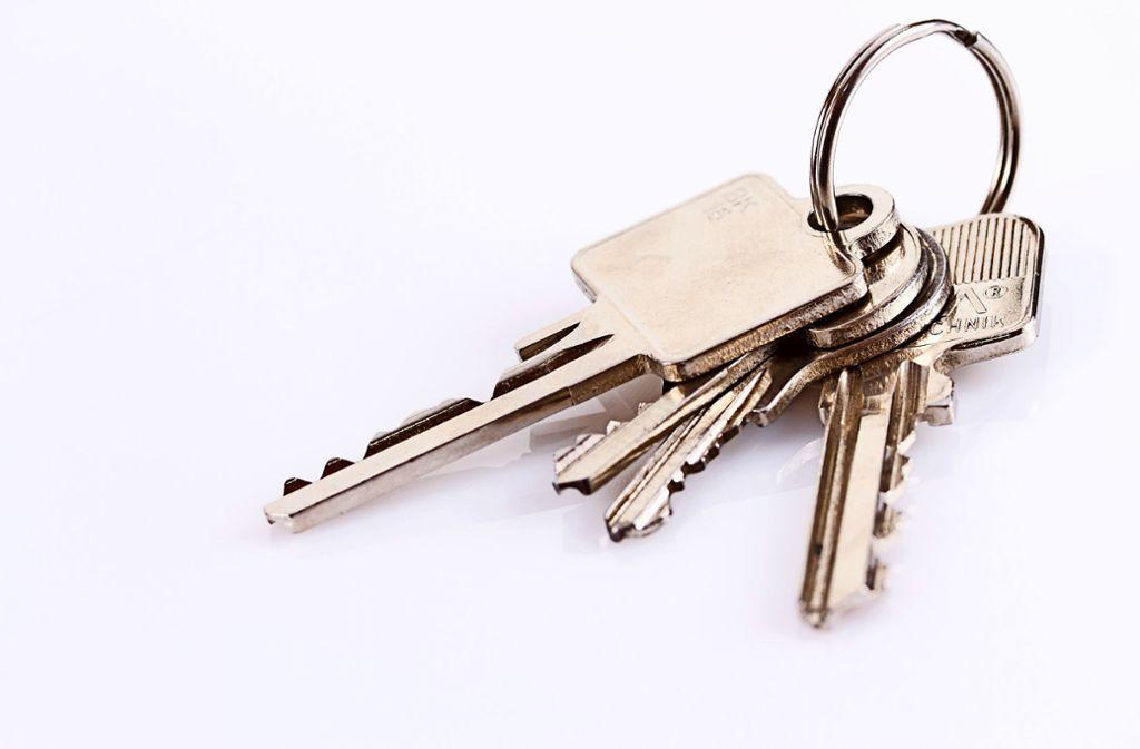 Ein Mann vom Schlüsseldienst soll bei den Überfällen als Türöffner fungiert haben. Foto: Yvonne Weis/Adobe Stock