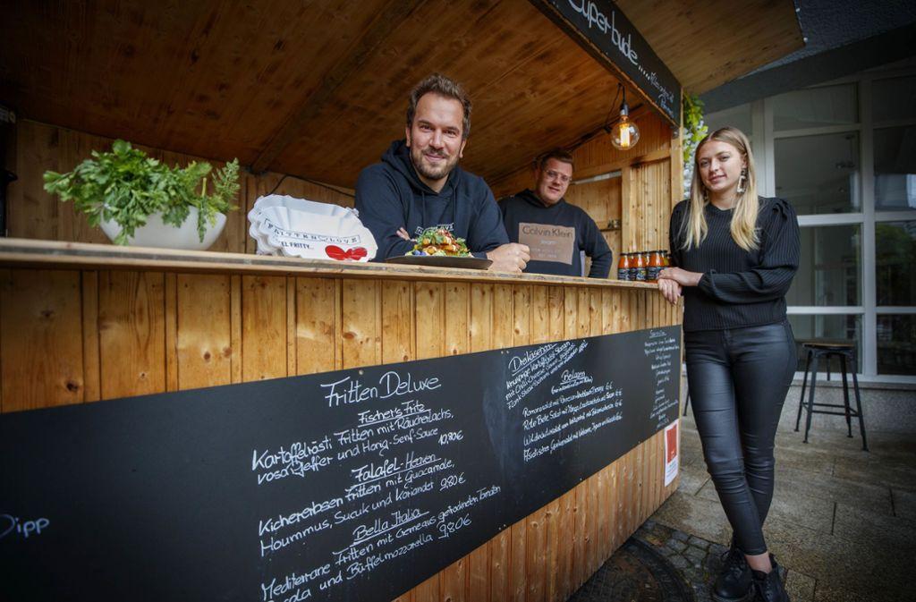 Sascha Wolter, Sebastian  und Anna Fruth (von links) gehen eine gastronomische Kooperation ein. Foto: Gottfried Stoppel
