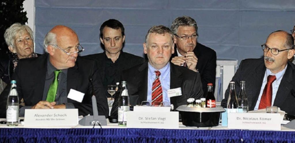 Stefan Vogt von der Schluchseewerk AG und der Grüne Alexander Schoch beim Runden Tisch zum Pumpsoeicherkraftwerk Atdorf. Foto: Lifka