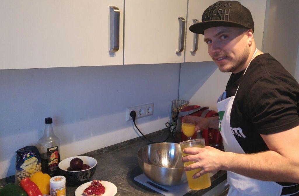 DJ und Koch Tobi Grimm ist Fan von seinem veganen Bulger-Salat. Das ist der perfekte Winter-Salat, weil er wegen dem Chili von innen wärmt. Foto: privat