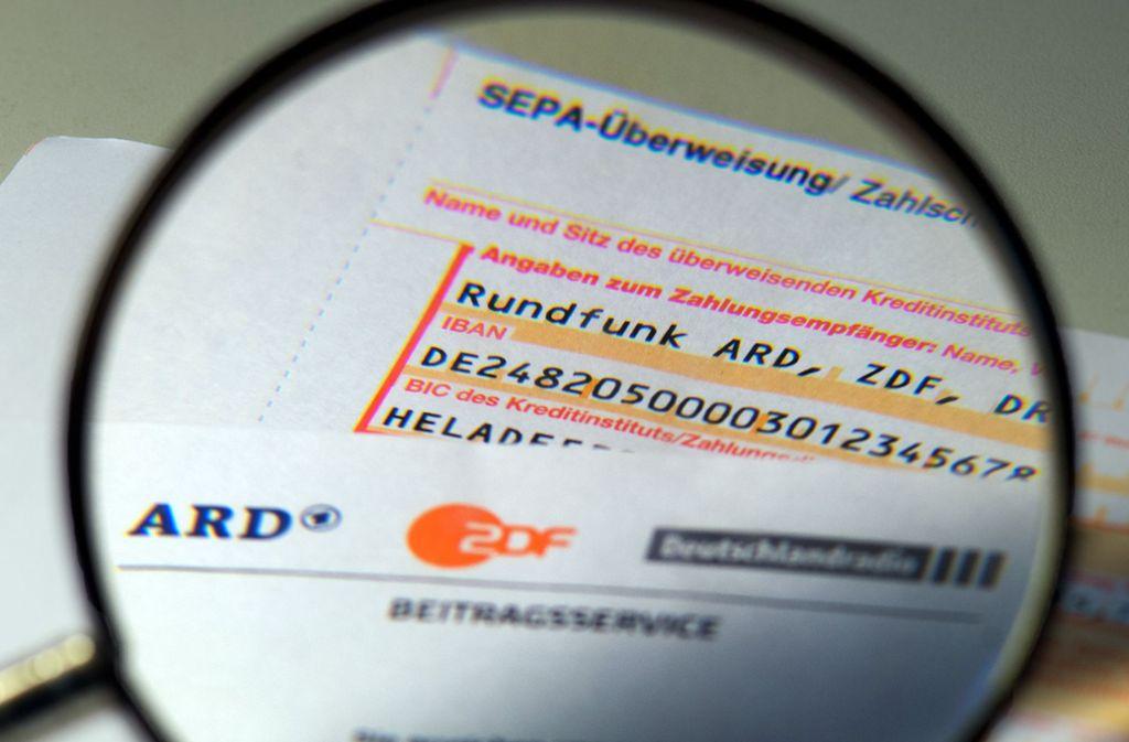 Der von allen Bürgern zu zahlende Rundfunkbeitrag soll künftig anders bemessen werden. Foto: dpa