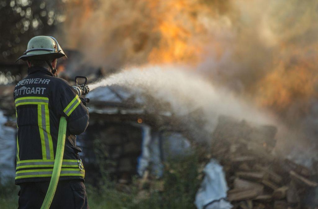 Die Scheune an der Heidenburgstraße in Mühlhausen wurde ein Raub der Flammen. Foto: 7aktuell.de/Simon Adomat