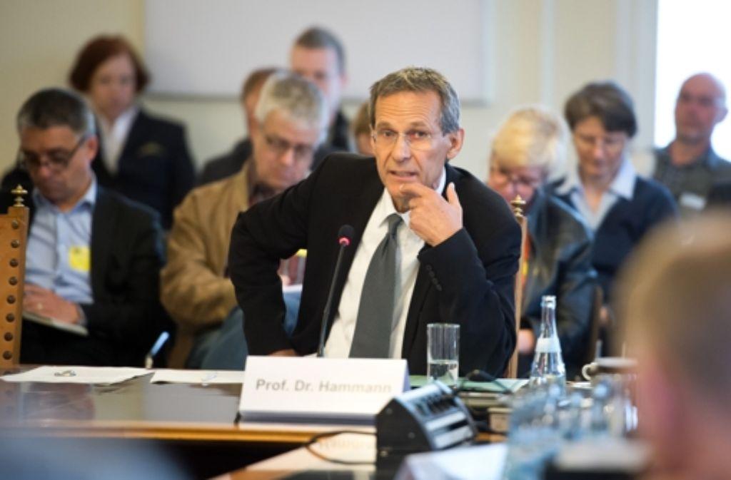 Der ehemalige Landespolizeipräsident Wolf Hammann Foto: dpa