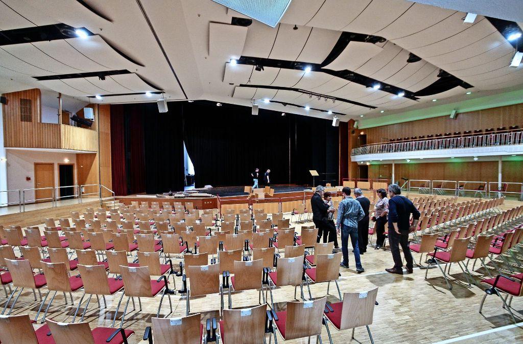 Die Saalbeleuchtung in der Stadthalle  wurde auf  LED umgestellt. Foto: factum/Bach