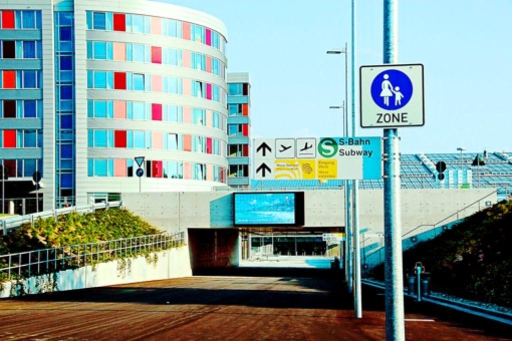 Für die Flughafenanbindung an die Schnellbahn gibt es neue Perspektiven Foto: Leven