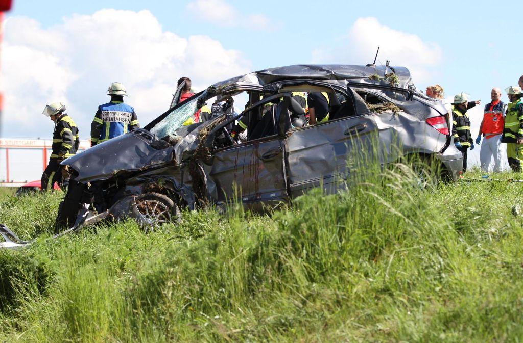 Insgesamt drei Menschen wurden bei dem Unfall schwer verletzt. Eine 59-jährige Frau erlag später ihren schweren Verletzungen. Foto: 7aktuell.de/David Skiba