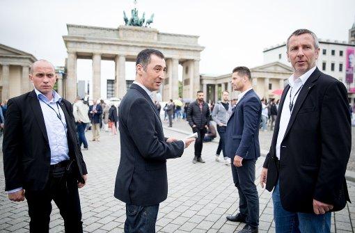 Trotz im Bundestag nach Morddrohungen