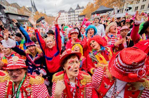 Tausende Jecken feiern den 11.11.