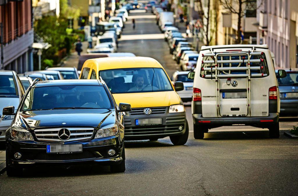 Nicht nur in der Stuttgarter Innenstadt, sondern auch im kleinen Stadtteil Fasanenhof am Rand der Landeshauptstadt sind die Parkplätze knapp. Foto: Lichtgut/Leif Piechowski