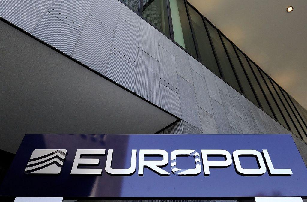 Europol hat Beweisstücke aus Kinderporno-Videos im Internet veröffentlicht, um Hinweise auf Täter und ihre Opfer bekommen zu können. Foto: epa