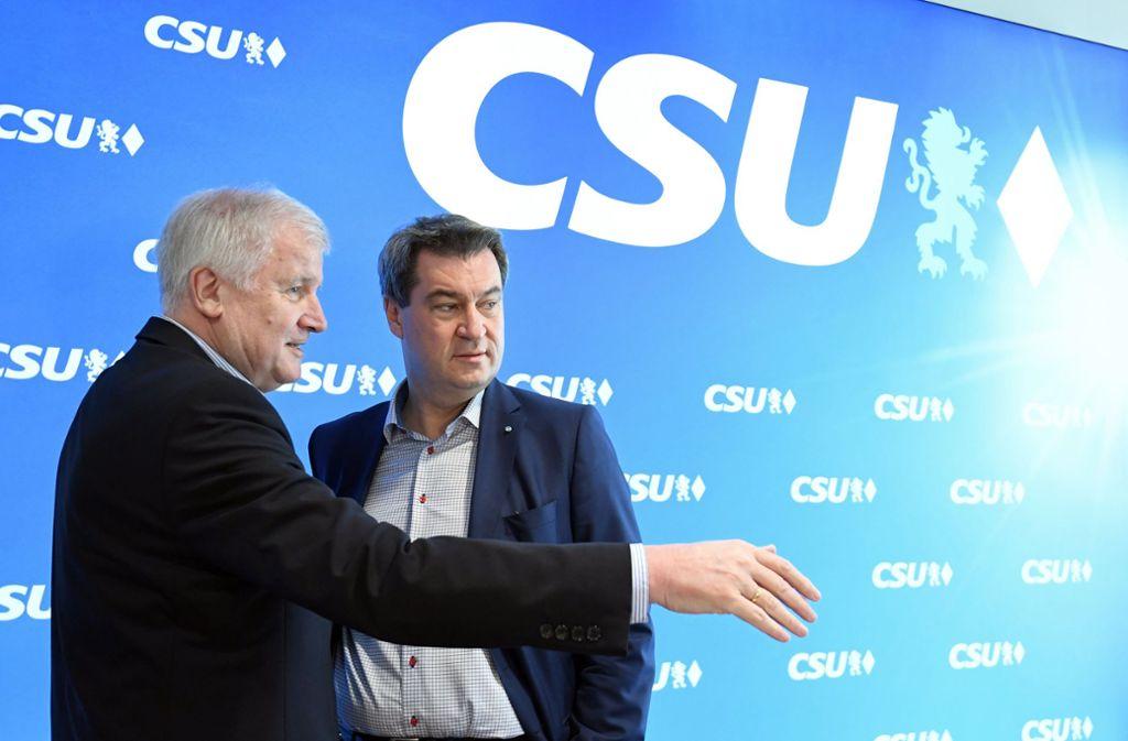 Horst Seehofer (links) und Markus Söder (beide CSU) rutschen in den Umfragen ab. Foto: dpa