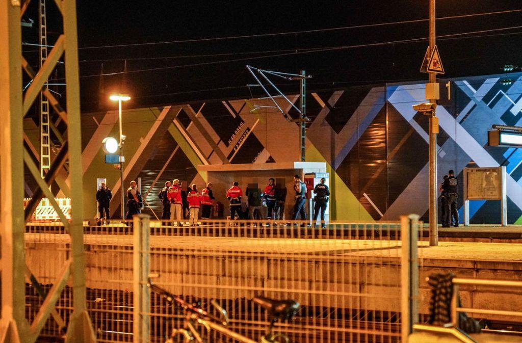 Die Bundespolizei ermittelt wegen des Verdachts der gefährlichen Körperverletzung gegen die drei mutmaßlichen Täter. Foto: SDMG/ / Kohls